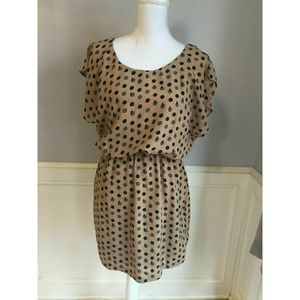 City Triangles Tan polka dotted Short sleeve Lined